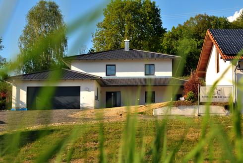 Einfamilienhaus mit Doppelgarage- Hess Bau GmbH