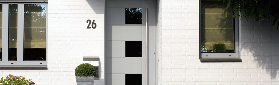 Haustür mit fenster  Fenster, Haustüren und Innentüren- Hess Bau GmbH